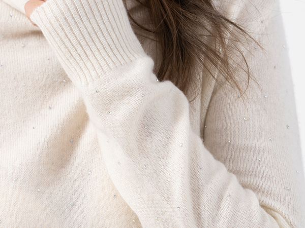 电商女装品牌选择昭乌达羊绒做羊绒衫加工