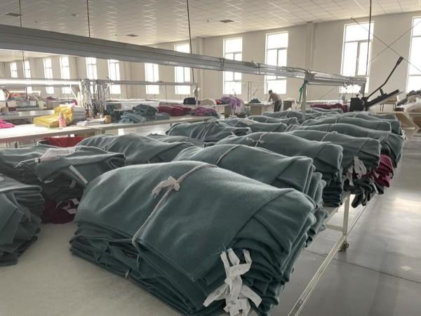 大连防护服公司做羊绒衫定制选择赤峰昭乌达羊绒