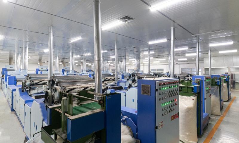 羊绒衫生产厂家赤峰昭乌达羊绒羊绒分梳车间